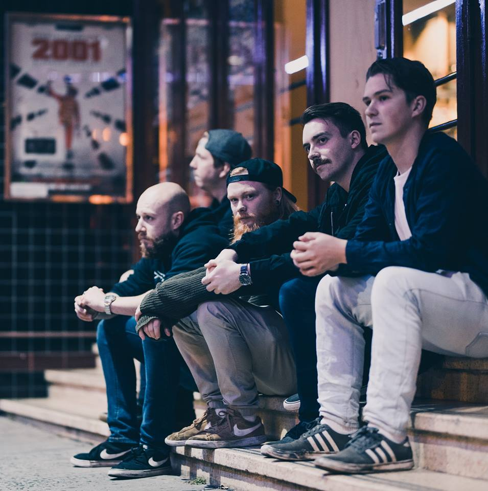 INTERVIEW – Loose End